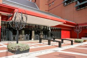 800px-British_Library_entranceway_1